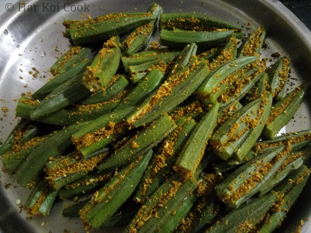 Stuff okra with masalas or spices - Punjabi Bharwa Bhindi - HKC